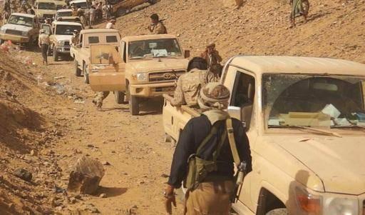 مصرع 8 حوثيين في هجوم عنيف للجيش في يتمة الجوف باسناد من طيران التحالف وتحرير مواقع جديدة