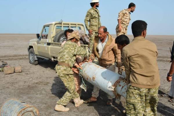 شاهد بالفيديو والصور.. المقاومة المشتركة تفجر الدفعة الثانية من ألغام المليشيات الحوثية في الحديدة خلال 48 ساعة