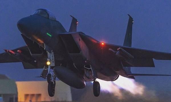 مقتل ثلاثة من القيادات الحوثية بعملية عسكرية لطيران التحالف العربي والقوات الحكومية غربي تعز