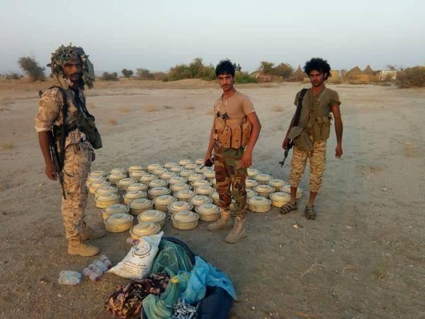 حجة.. انتزاع 120 لغما وعبوة ناسفة زرعتها مليشيات الحوثي في إحدى قرى مستبأ