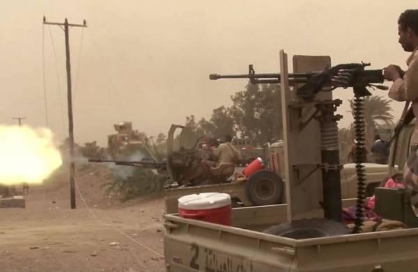 """""""المشتركة"""" تسحق هجومين  لمليشيا الحوثي في الدريهمي وشارع الخمسين بالحديدة"""