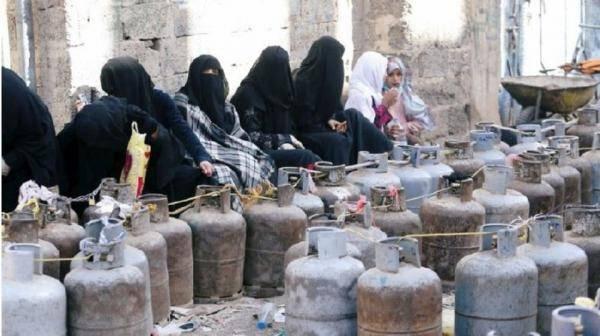 بعد إقرار جرعة سعرية.. مليشيا الحوثي تختلق أزمة لمادة الغاز المنزلي ومصادر تكشف خفايا عمليات
