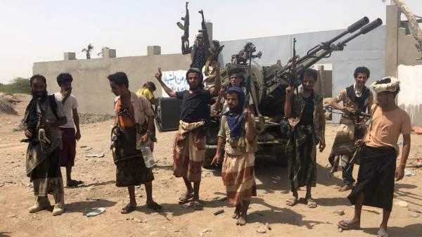 صحيفة لندنية: إرتباك حوثي مع اقتراب المعارك من وسط الحديدة والدائرة تضيق عليهم