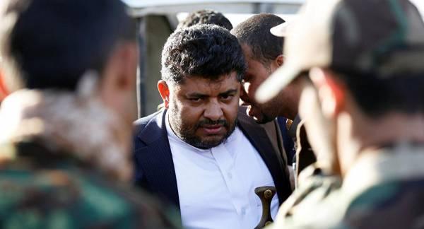 """الحوثي يستبق انقلاب """"محمد علي"""" ويصدر قرار بدمج مليشيا """"اللجان الشعبية"""" بصنعاء بالأجهزة الأمنية وبدء التنفيذ فوراً..!؟"""