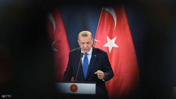 """الشيء وعكسه.. أردوغان """"يتخبط"""" مع الأميركيين"""
