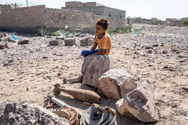 أطباء بلا حدود تكشف إجرام المليشيا الحوثية في تقرير ميداني  (الناس محاصرون بالالغام