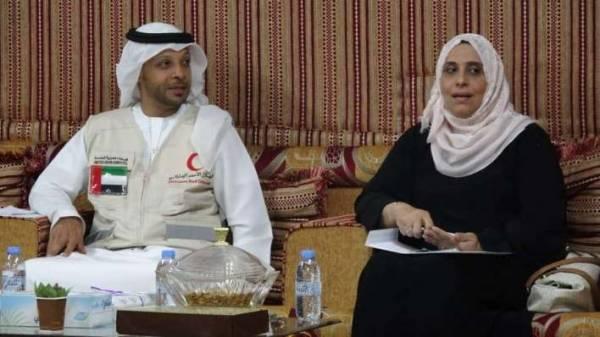 ممثل الهلال الأحمر الإماراتي يلتقي وزيرة الشؤون الإجتماعية بعدن