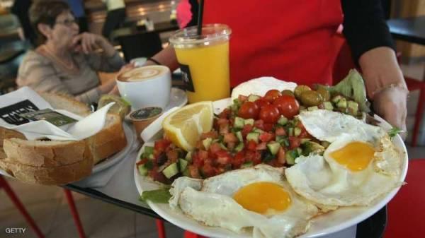 دراسة تنسف المعتقدات القديمة: الإفطار ليس أهم وجبة في اليوم