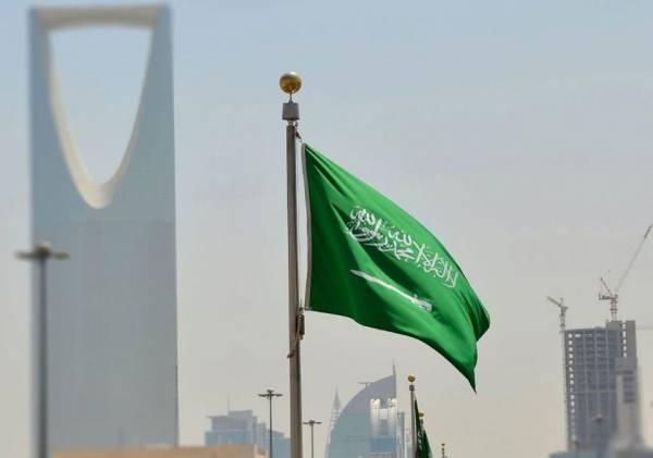 السعودية تعلن رسميا إلغاء نظام الكفيل وتسمح للوافدين بالعمل والتنقل بحرية وتوثيق ممتلكاتهم بأسمائهم الشخصية..!؟ - (تفاصيل)
