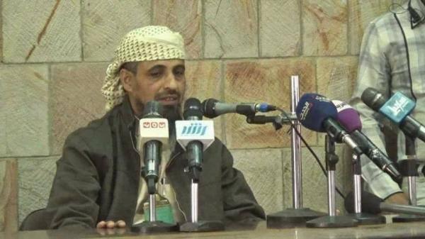 أبو العباس يدعو إلى إلغاء كافة السجون الخاصة في تعز.. (شاهد ماذا قال)؟