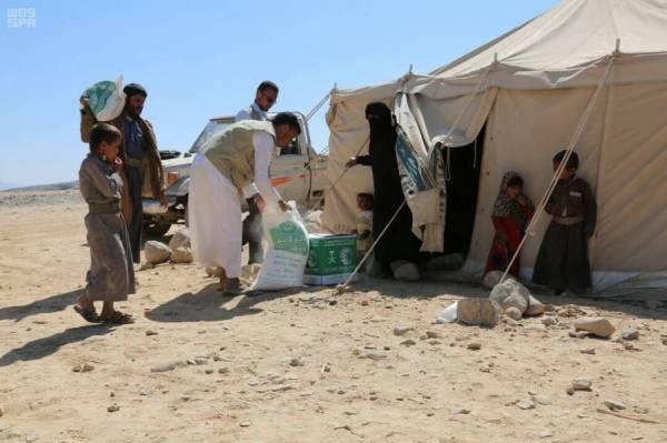 مليشيا الحوثي تنهب مخيم الخانق للنازحين بنهم شرقي صنعاء