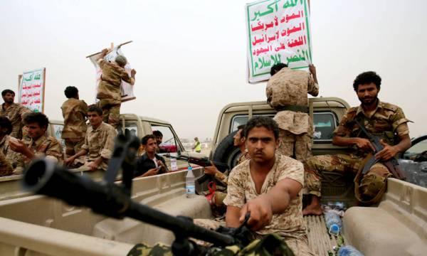 """مصرع 13 مسلحاً بموكب أحد أبرز قيادات """"أمن الحوثي الوقائي""""  شمال الضالع"""