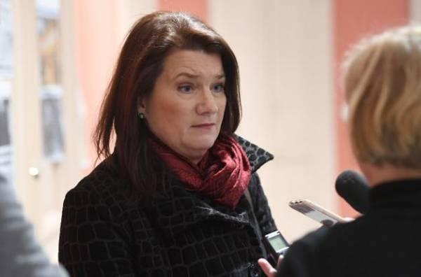 وزيرة حارجية مملكة السويد تصل عدن