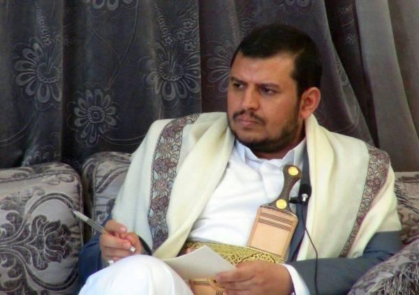رسالة نصية للحوثي وصلت هواتف اليمنيين تثير سخرية واسعة.. تعرف عليها وماذا يطلب من