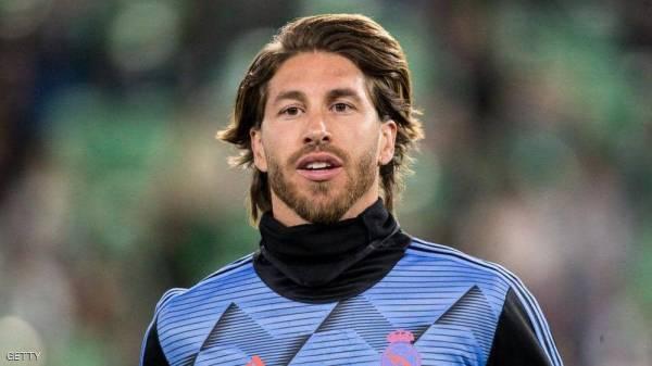 """لاعب كرة قدم شهير يعلن """"مبادرة إنسانية"""" لمكافحة فيروس كورونا"""