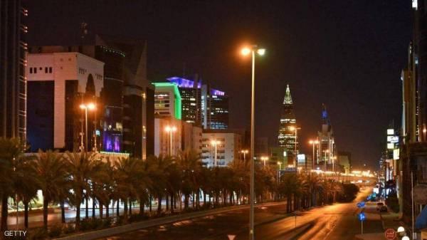 """السعودية تغلق 13 منطقة وتحظر التجول في 3 مدن لكبح """"وباء كورونا"""""""