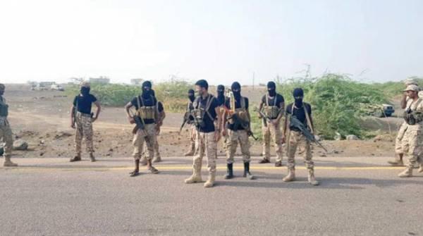 القاعدة يعدم عشرة جنود من قوات النخبة بحضرموت