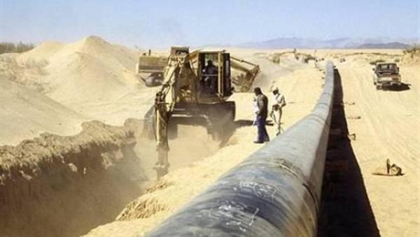 الحوثيون يثقبون أنبوب نفط لبيع المخزون الخام للمزارعين في السوق السوداء