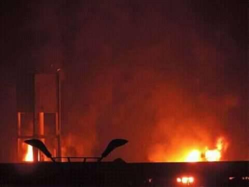 اطلاق فاشل لصاروخ بحري حوثي يشعل حريقاً في ميناء الاصطياد بالحديدة