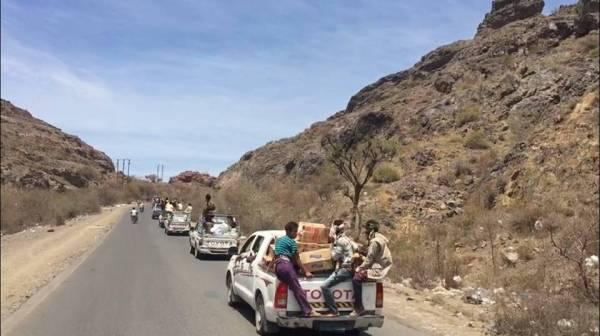 أبناء قعطبة يسيرون قافلة غذائية دعماً للمرابطين في جبهة مريس دمت للتصدي لمليشيا الحوثي