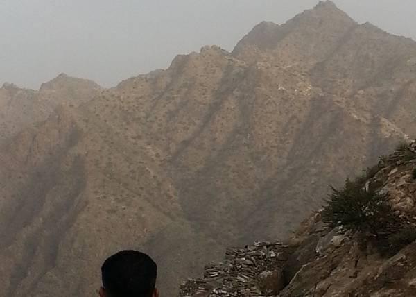 انتكاسة كبيرة للحوثيين بعد سيطرة القوات الحكومية على أرفع موقع بالقبيطة