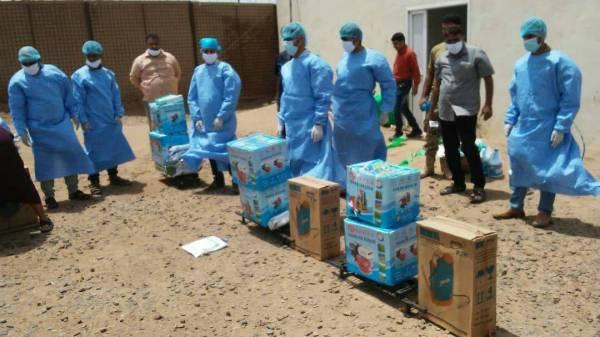 دائرة الخدمات الطبية بالمقاومة الوطنية  توزع أدوات رش ومواد تعقيم على الألوية العسكرية