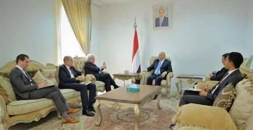 """خلال لقاءه بـ""""غريفيث"""".. اليماني: تعنت مليشيا الحوثي قد يؤدي لإفشال اتفاق السويد"""