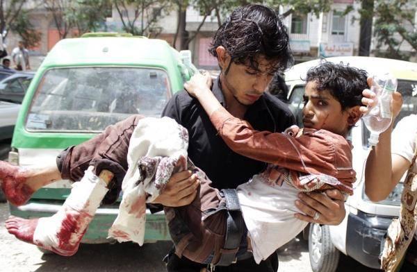حصار وقصف وألغام.. آلة صناعة الموت الحوثية توزع المآسي إلى كل بيت في تعز