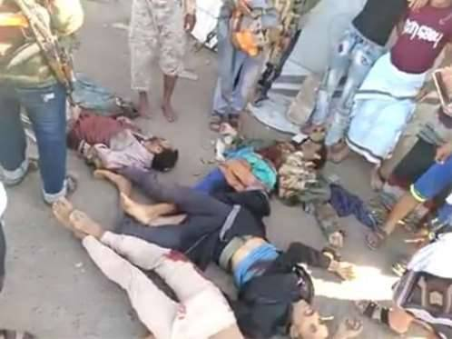 شاهد بالفيديو.. جثث الحوثيين تتناثر في شوارع قعطبة بالضالع بعد تحريرها..!