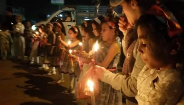 مسيرة بالشموع لأطفال مأرب ضد إرهاب المليشيات الحوثية