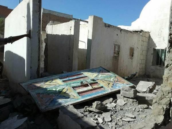 إصابة 4 مدنيين من أسرة واحدة بقصف مدفعي للميلشيا جنوبي الحديدة
