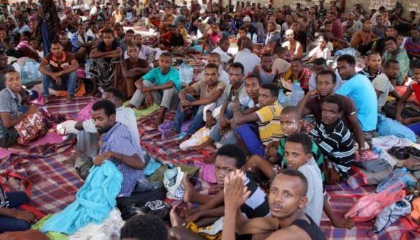 ترحيل دفعة أولى من المهاجرين غير الشرعيين عبر مطار عدن