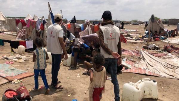 عدن.. الهلال الإماراتي يطلق حملة استجابة عاجلة لشفط مياه الأمطار وتقديم مساعدات للنازحين