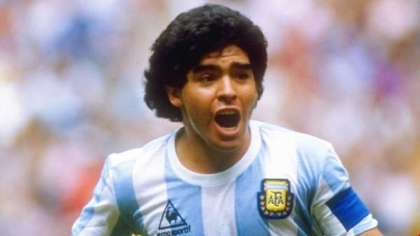هل يعاني مارادونا من ألزهايمر؟ الأسطورة يرد عبر