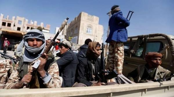 تلقى دورات مكثفة في لبنان وإيران.. المليشيات الحوثية تصفي مشرفها بالحديدة وأتباعه في حالة استنفار