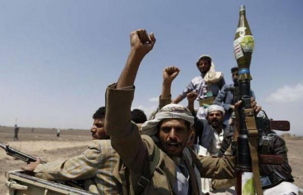عمران.. معارك عنيفة بين مليشيا الحوثي ومسلحين قبليين في ريدة