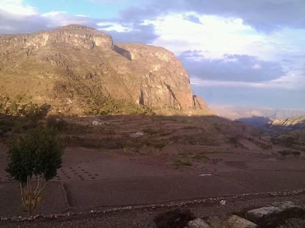 عاقبة الخيانة.. الحوثيون اختطفوا وأخفوا مدنيين وعسكريين سهلوا لهم السيطرة على مناطق العود ودمت