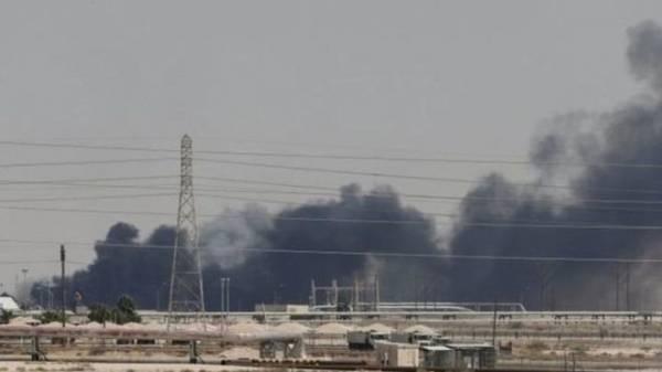 مراقبون: إيران تتجه إلى تصفير نفط الخليج عبر الحوثيين المحتلين لمدينة الحديدة بعد استهدافها لأرامكو..!؟