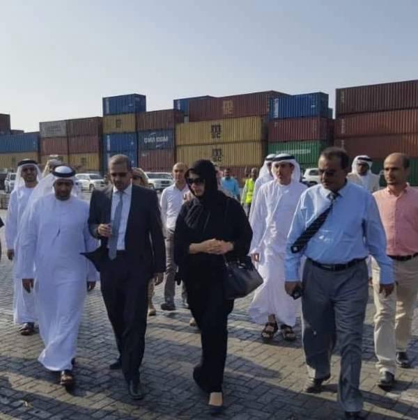 وزير التعاون الإماراتية تطلع  على النشاط الملاحي لميناء عدن