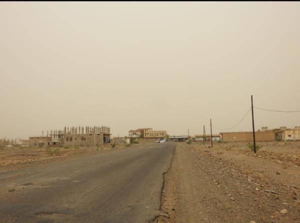 مليشيا الحوثي تواصل خروقاتها وتستهدف مواقع القوات المشتركة بحيس