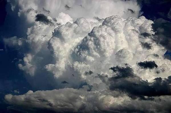 """تحذير لسكان هذه """"الثمان المحافظات"""" من المركز الوطني للأرصاد الجوية"""