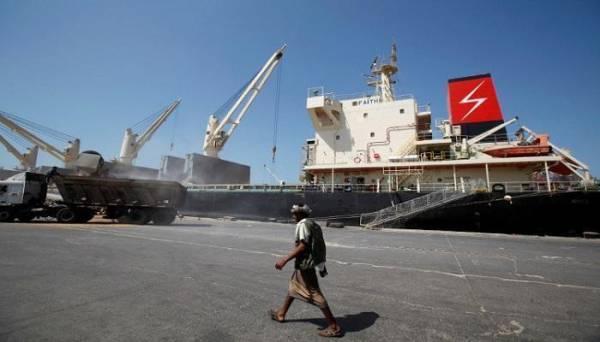 التحالف العربي يصدر 13 تصريحا لسفن متوجهة للموانئ اليمنية