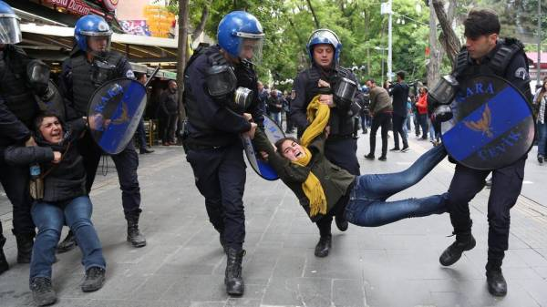 أكبر عملية اعتقال بتركيا في يوم واحد.. 1112 معارضاً في قبضة الأمن