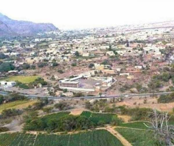 إصابة امرأتين بعبوة ناسفة زرعتها مليشيا الحوثي بباب منزلهما جنوب دمت