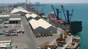 ميناء عدن يعلن اتحاذ إجراءات احترازية  لمجابهة كوفيد19