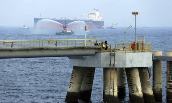 تقييم أمريكي أولي يشير إلى ضلوع إيران بمهاجمة سفن في الخليج العربي