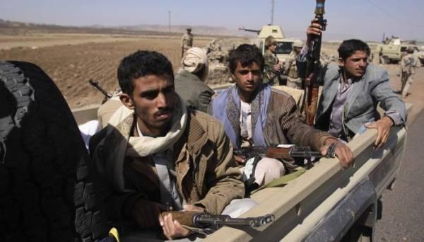 الحوثيون يعتدون مجدداً على العاملين في المنظمات الاغاثية بإب..!