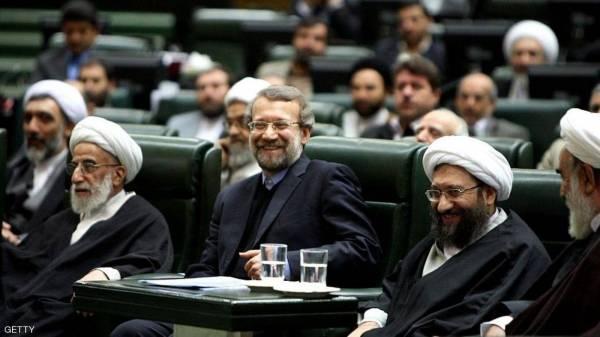 """عقوبات أميركية على 5 مسؤولين إيرانيين عن """"المسرحية"""""""