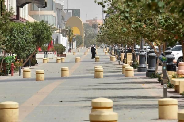 حظر تجول كامل في الرياض وعدة مدن سعودية والكويت تعزل منطقتين لمواجهة جائحة كورونا
