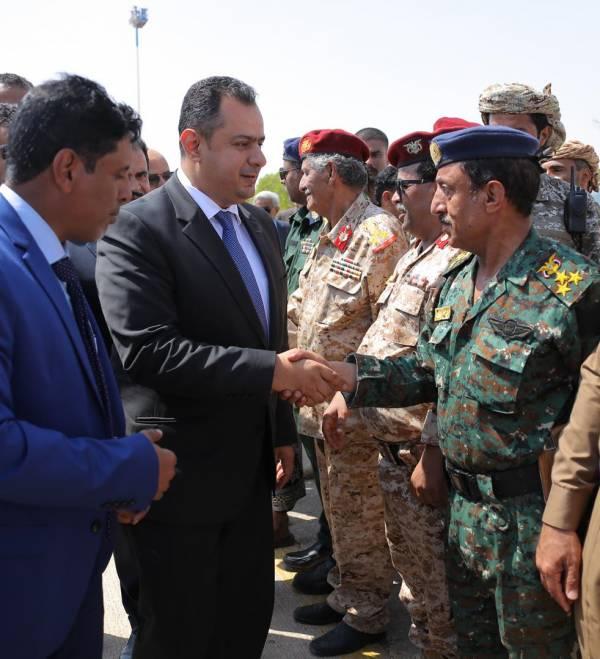 رئيس الزراء الجديد يبدأ أولى نشاطاته الميدانية بزيارة محافظة منكوبة!